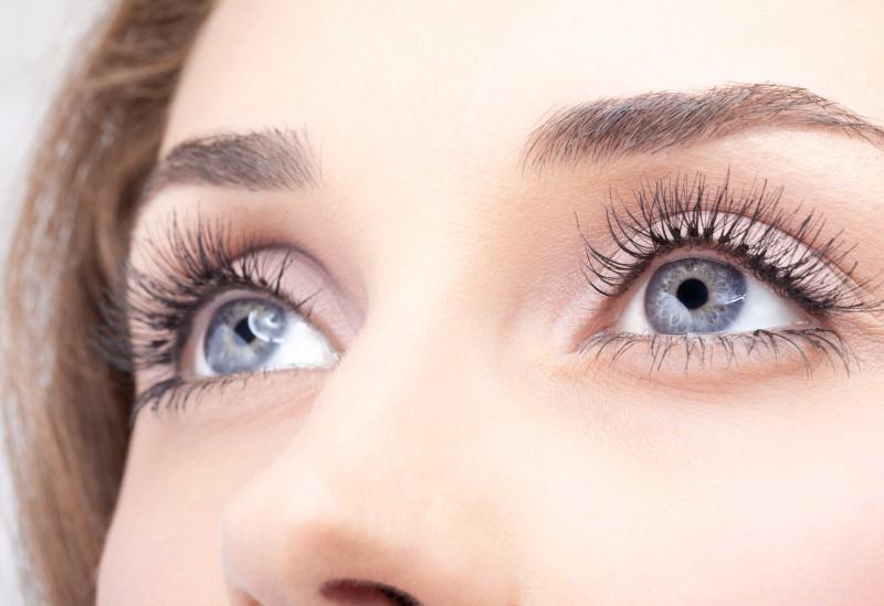 Секреты правильного ухода за кожей вокруг глаз